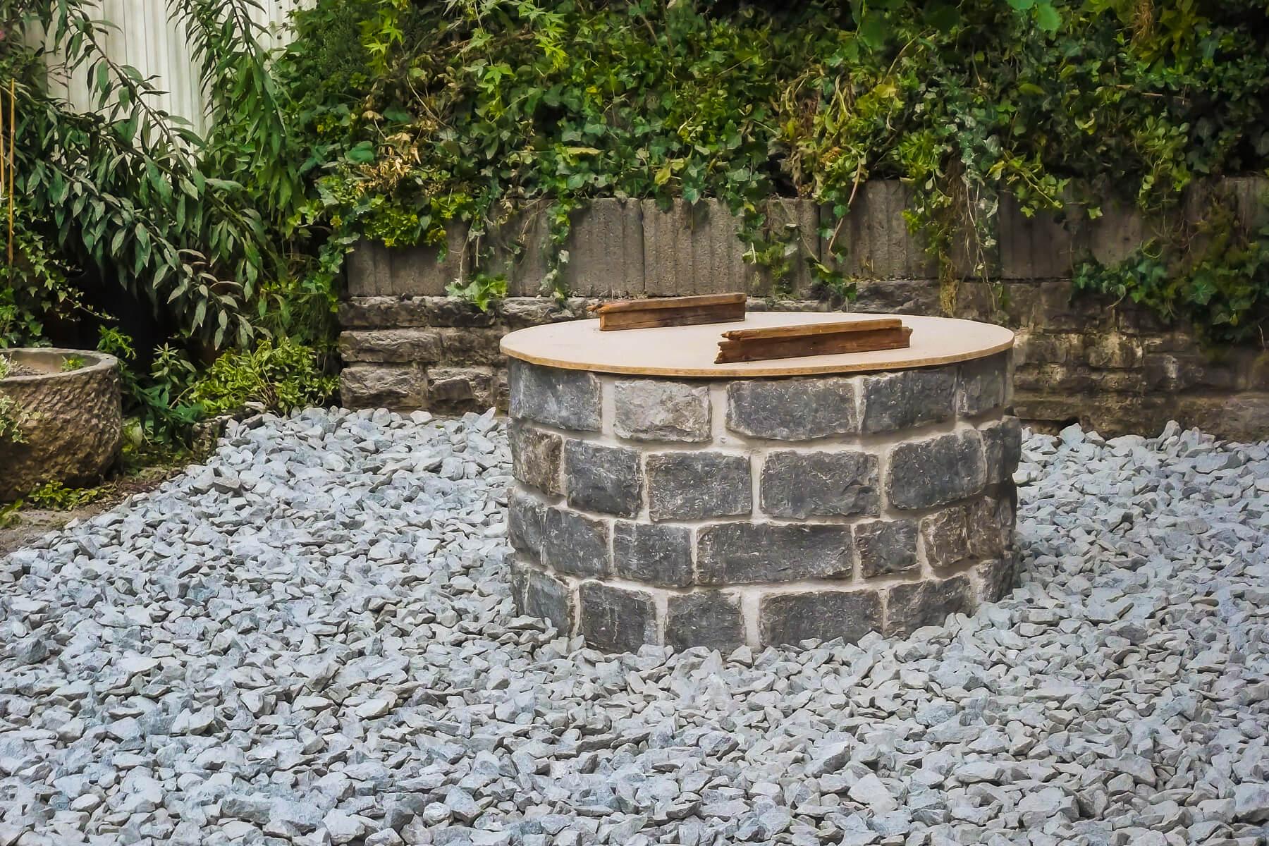 Natursteinmauern Aus Heimischen Muschelkalk Von Dewald Garten Zaun