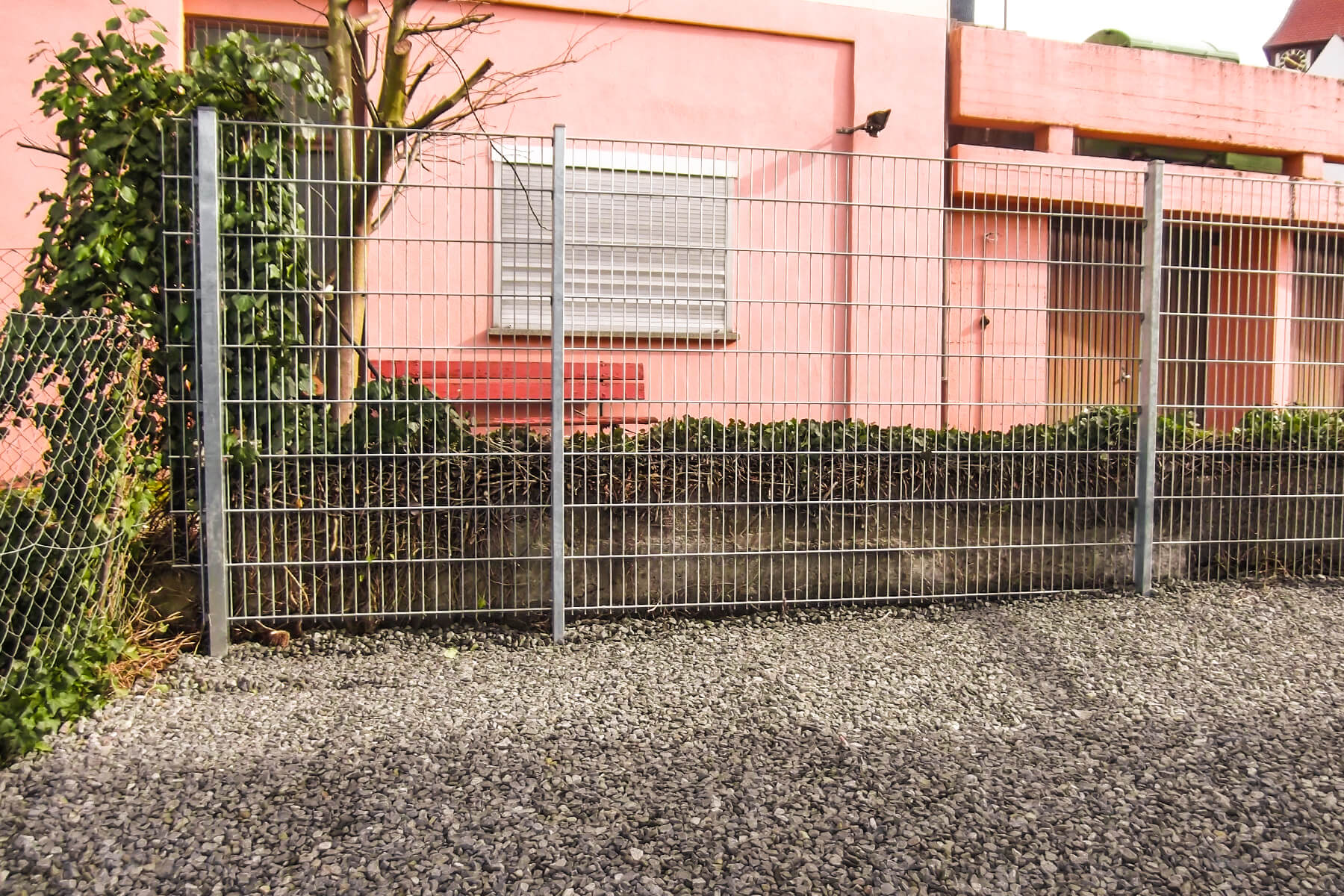 Zaunbau ist einer der Kernleistungen von Dewald Garten & Zaun aus